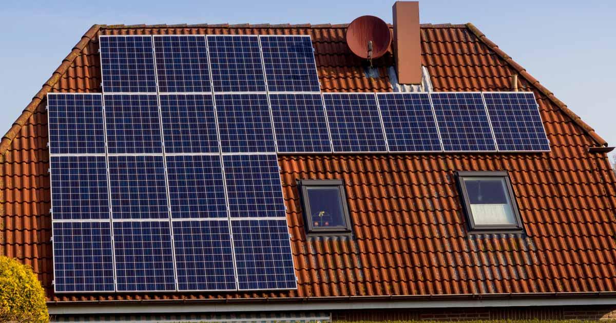 Hybridní fotovoltaická elektrárna na rodinný dům o výkonu 3,54 kWp